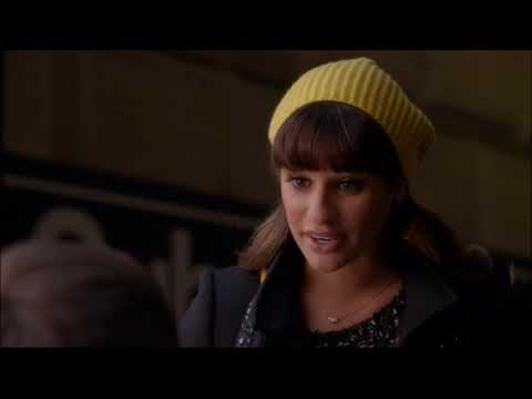 Glee - Rachel Meets Artie At The Subway 5x14