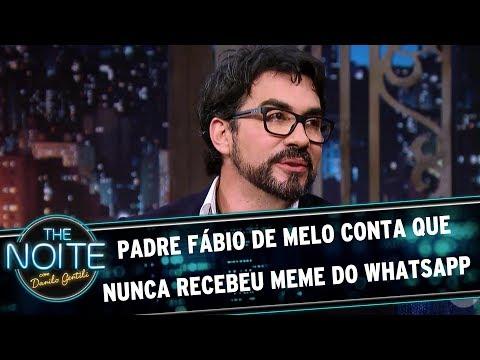 Padre Fábio de Melo conta que nunca recebeu meme do Whatsapp | The Noite (26/07/17)