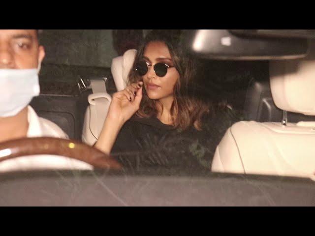Actress Deepika Padukone spotted at khar Sv road