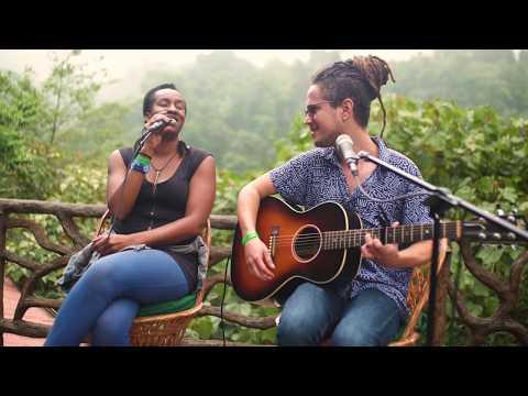 Dulcito e Coco - Vicente Garc铆a Junto a Kumary Sawyers