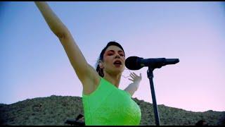 MARINA - Bubblegum Bitch (Live from the Desert)