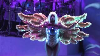 Baixar Lady Gaga - Opening Artpop Live in Amsterdam, Ziggo Dome 24.09.2014 - Artrave HD concert