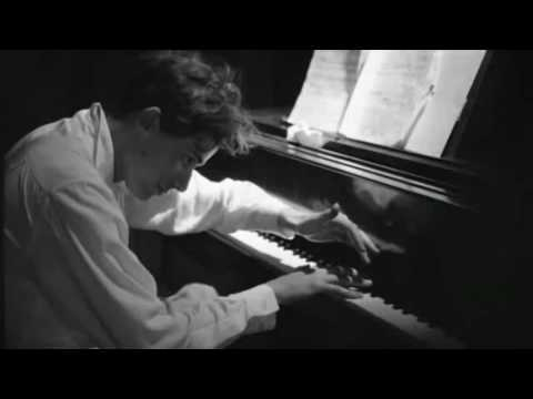 Glenn Gould practicing Bach Invention 14 BWV 785 at home (First Take) |*RARE*|