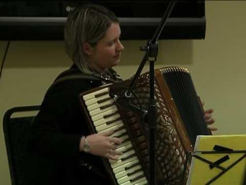 Amanda Robinson and Alan Small play at Killeter Cl...