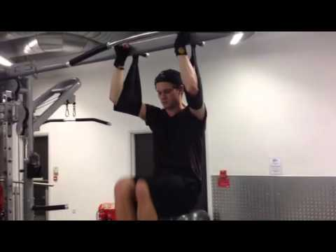 Jeremy Irvine Ab Training