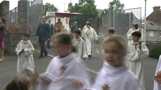 Procession du Saint-Sacrement pour la Fête-Dieu 2019