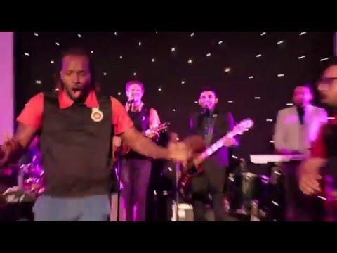 IPL 2016- Virat Kohli And Chris Gayle break Dance at   Royal Challengers Bangalore last night party