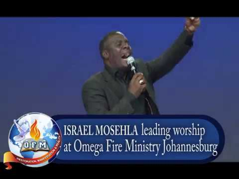 Israel Mosehla in anointed worship session