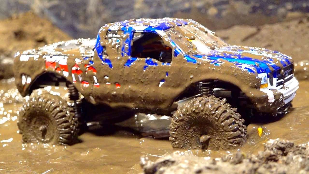 Download EXTREME MUDDY TiMES! NEW MUD COURSE & BiGFOOT 4X4 1/24 scale on 3S LiPO!