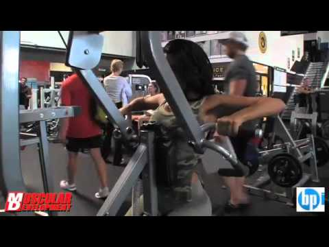 Actress vida guerra gym fitness training youtube for Gimnasio vida fitness