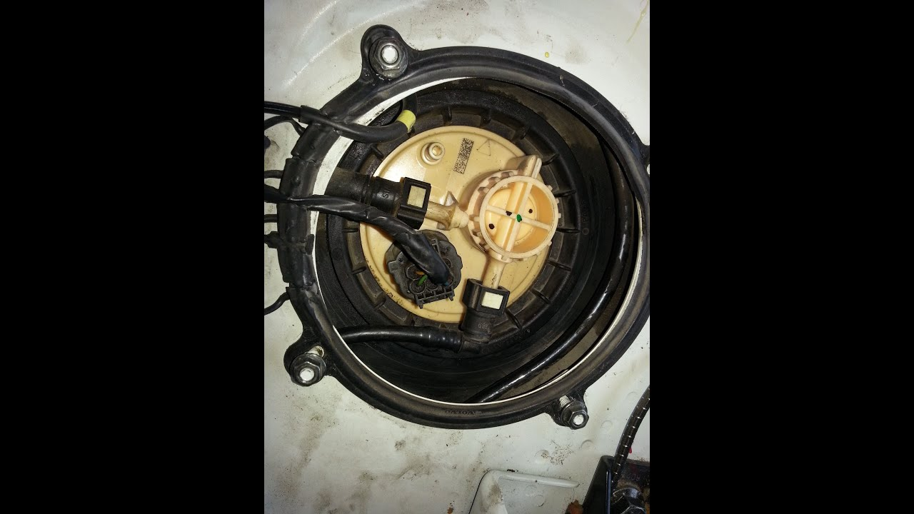 hight resolution of how to access volvo v70 fuel pump