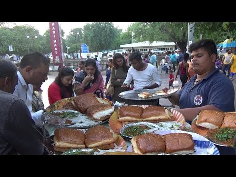 Pav Bhaji Besides Hanuman Temple Connaught Place Delhi | IN Street Food