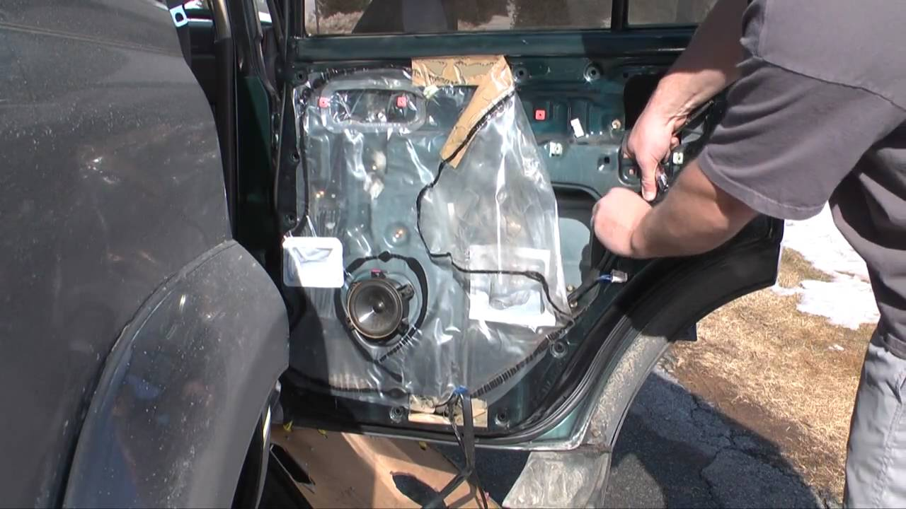 replacing a door lock actuator on a  u0026 39 97 lx450    land
