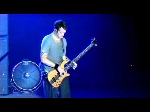 311's-p-nut---bass-solo-(-including-coda-)-from-evolver-at-st-augustine-amphitheatre-7-18-12-.mov