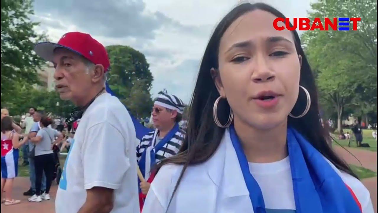 """Manifestantes CUBANOS en Washington DC: """"La dictadura se cayó. Ahora hay que seguir empujando"""""""
