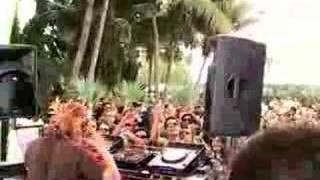 James Zabiela tears up the Beatport Pool Party @ Miami WMC 2008 thumbnail
