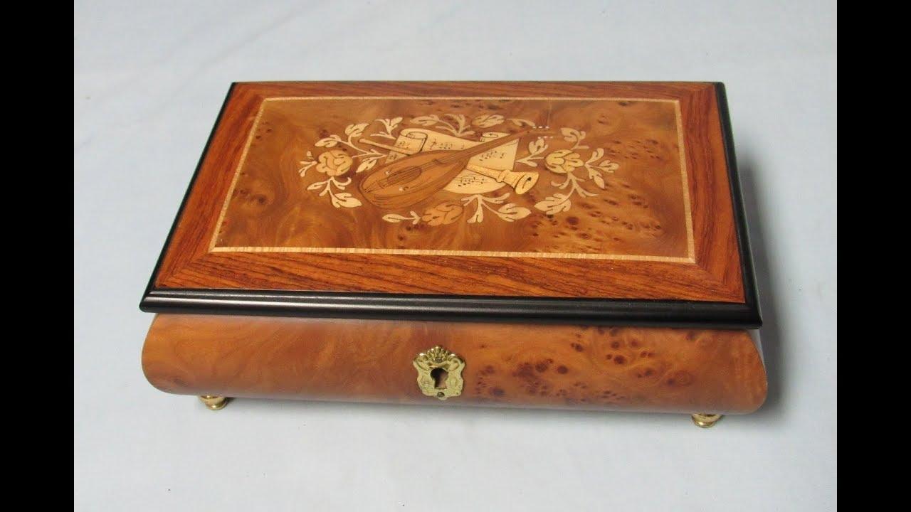 Vintage American MusicJewellery  Box Company REUGE Swiss Musical Movement