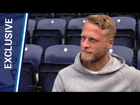 Tom Clarke Signs New Deal At Deepdale