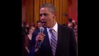 Обама поет песню