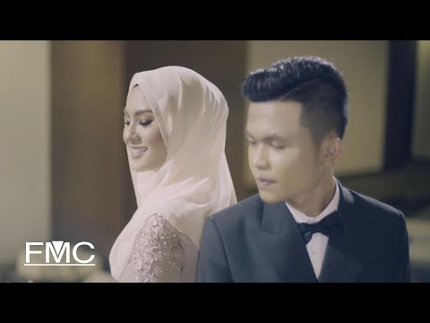 Tajul & Wany Hasrita - Disana Cinta Disini Rindu (Official Music Video) - Поисковик музыки mp3real.ru