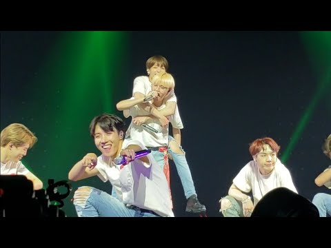 180922 Anpanman @ BTS 방탄소년단 Love Yourself Tour in Hamilton Fancam 직캠