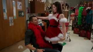 ALISON BRIE DOES A SEXY CHRISTMAS ROUTINE