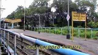 Grand arrival at Siliguri Junction, and crossing Mahananda River Bridge: Kanchan Kanya Express