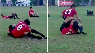vuclip Hamka Hamzah 'Bergulat' dengan Syamsul Chaeruddin saat Latihan