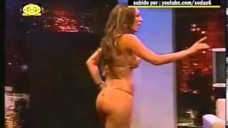 Repeat youtube video E ftuara ne emision del e zhveshur para kamerave (Erotic)