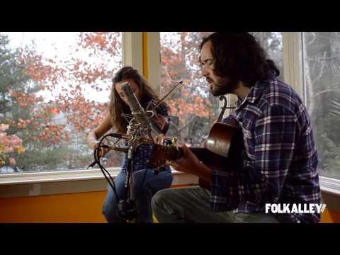 """Folk Alley Sessions: Mandolin Orange - """"Darling Girl"""""""