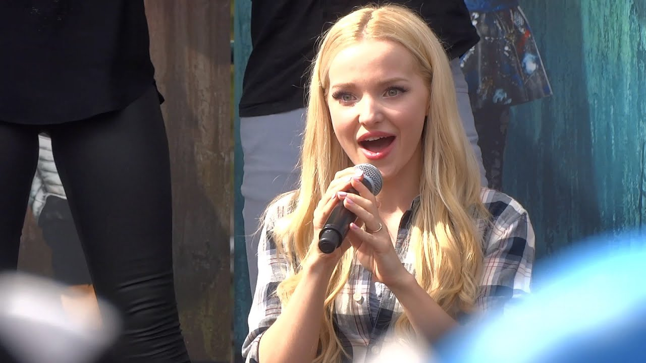 Descendants Sing Along With Cast During Fan Event At