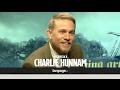 "watch he video of King Arthur: Charlie Hunnam - ""Io Re? Mai! Chiamerei Guy Ritchie per sostituirmi"""