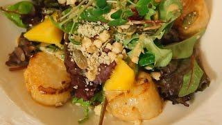 Салат с гребешком и манго. Рецепт от шеф-повара.