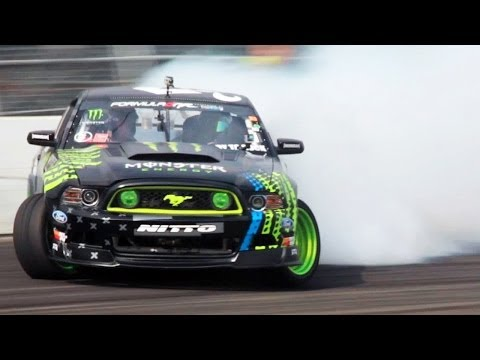 The One with Vaughn Gittin Jr. & the 2014 Ford Mustang! - World's Fastest Car Show Ep 3.27