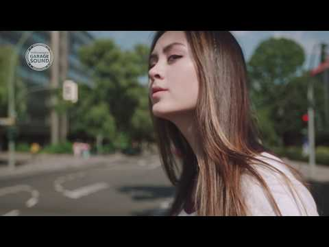 Jasmine Thompson - Interview with Garage Sound