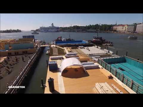 Helsinki Allas Sea Poolin iso teräsponttoni matkaa Teijolta Kauppatorille