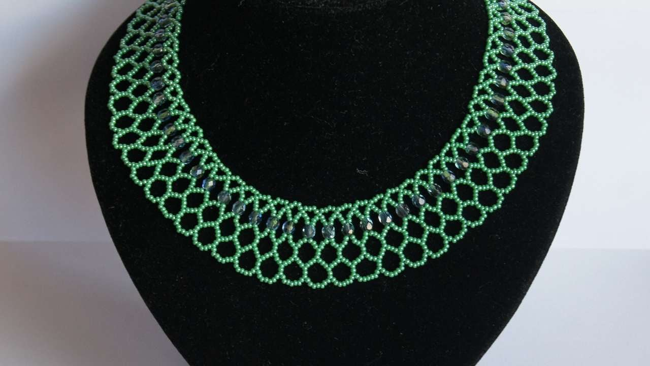 How To Make A Necklace With Green Beads - DIY Style Tutorial ...