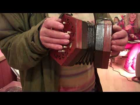 Lachenal Concertina....ALSO CHECK OUT Https://www.youtube.com/watch?v=slrEkQY4Tmk&t=5s