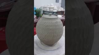 [정인석 도예연구소]정인석 도예가가 서촌 도자기 작업실에서 백자토로 물항아리 물레성형 후 각치기
