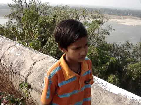 Chunar Fort our lill guide.MPG