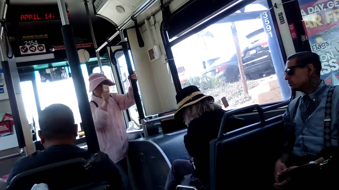 Opera lady on 43 bus octa
