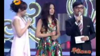 Vicki ZhaoWei singing a theme song of HZGG (Returning Princess Pearl)