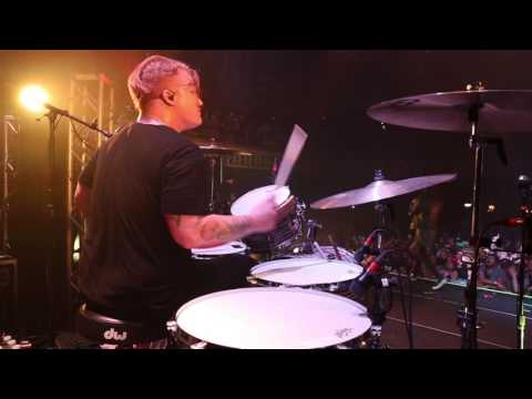 Underoath - A Boy Brushed Red Living In Black and White [Aaron Gillespie] Drum Video Live [HD[
