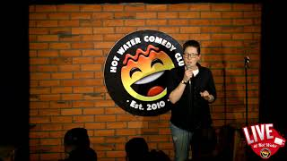 Sian Davies LIVE at Hot Water Comedy Club