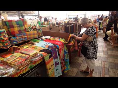 Des fruits et Légumes au marchés couverts de Martinique