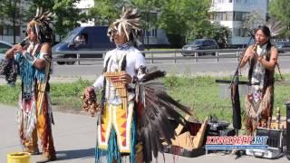 Индейцы в городе. ЭКСКЛЮЗИВНОЕ интервью на испанском от них в Кингисеппе KINGISEPP.RU