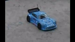 Rc modellismo caserta - gara di macchine telecomandate in una pista di pattinaggio - rc car race