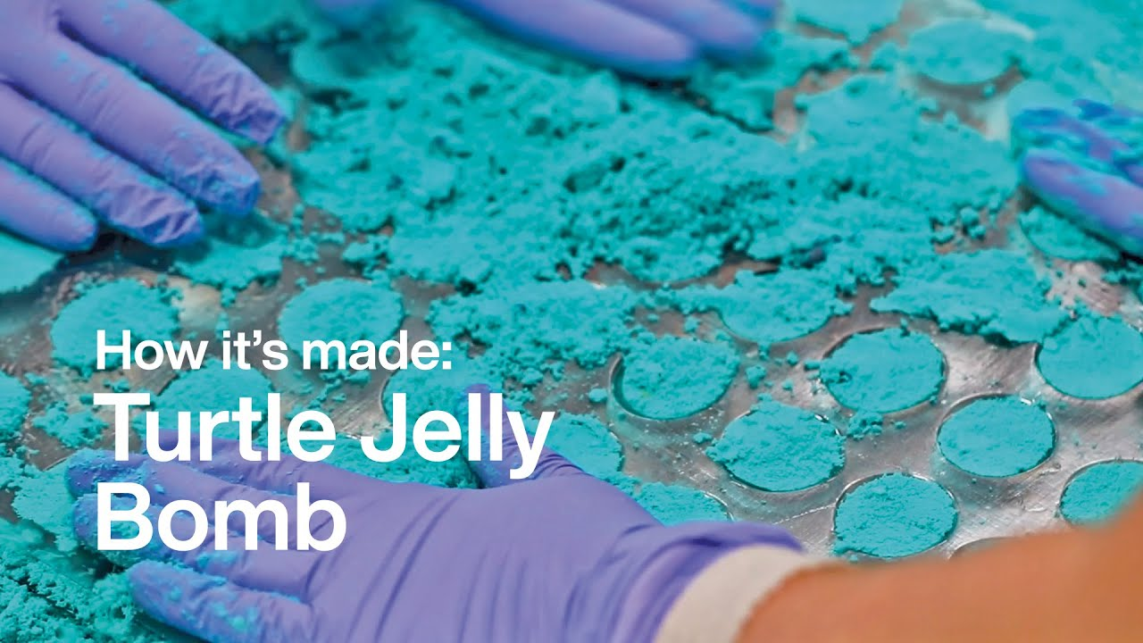 How It\'s Made: Turtle Jelly Bomb | Lush Kitchen - YouTube