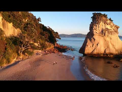 New Zealand Cathedral Cove 1min movie