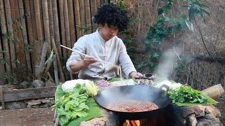 在山里煮火鍋,土灶燒柴直接吃,這火鍋吃的帶勁【村意】